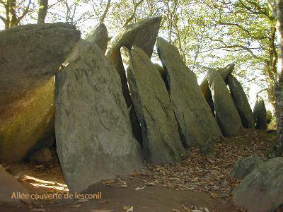 Allée couverte mégalithique de Lesconil en Poullan